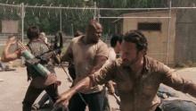 Ходячие мертвецы (The Walking Dead). Сезон 3. Трейлер смотреть на Tvigle.ru
