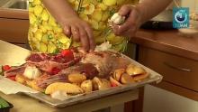 Запеченая баранина с картофелем и овощами