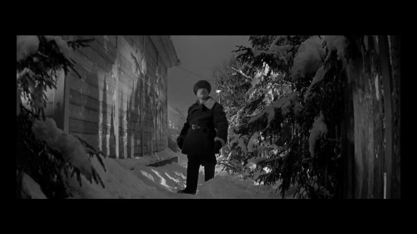 """""""Фонарь повесить надо... а может, и не надо"""" (фрагмент из к/ф Девчата)"""
