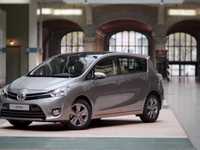 toyota verso preview