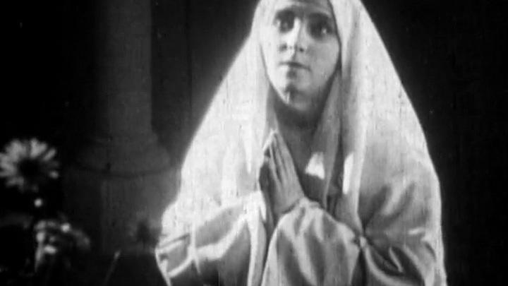 Эротика фильм про монашку