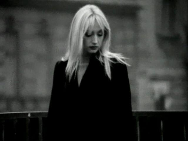 Видеоклип на песню Без тебя Кристины Орбакайте.